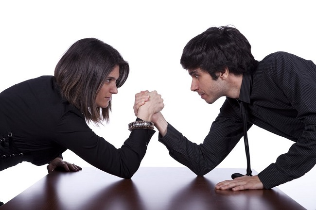 мужчины и женщины на работе